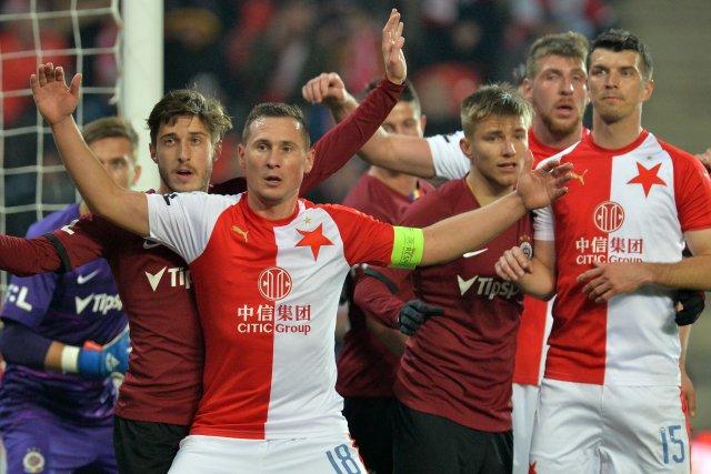 Odvěcí rivalové si budou muset na podzim přát navzájem. Foto:ČTK / Slavek Ruta, ZUMA
