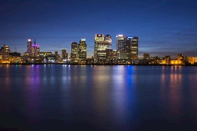 Finanční centrum vlondýnské City, Canary Wharf přes Temži. Foto:Skeeze, Pixabay