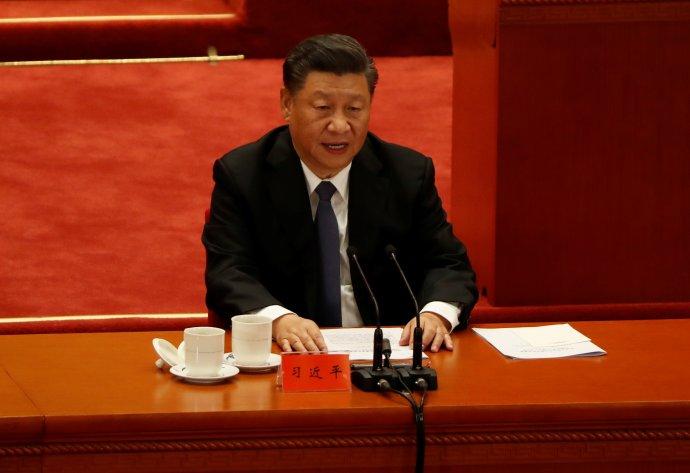 """""""Čínský lid potíže nevyvolá, ale zároveň se nebojí atváří vtvář sebevětším těžkostem nebo výzvám se naše nohy nezachvějí azáda nesehnou."""" Si Ťin-pchingův projev kvýročí korejské války. Foto:Carlos Garcia Rawlins, Reuters"""