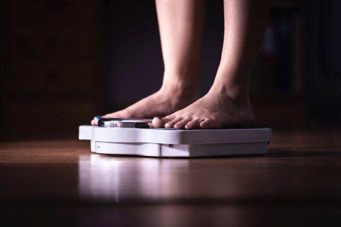 Obezita zvyšuje rizika u covidu. Foto: Adobe Stock