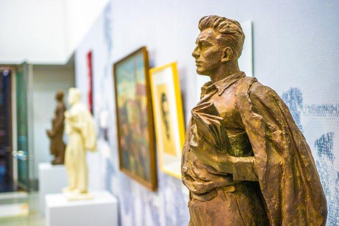 Po roce 1989 se sochy Julia Fučíka z veřejného prostoru uklidily do depozitářů. Foto: Národní muzeum