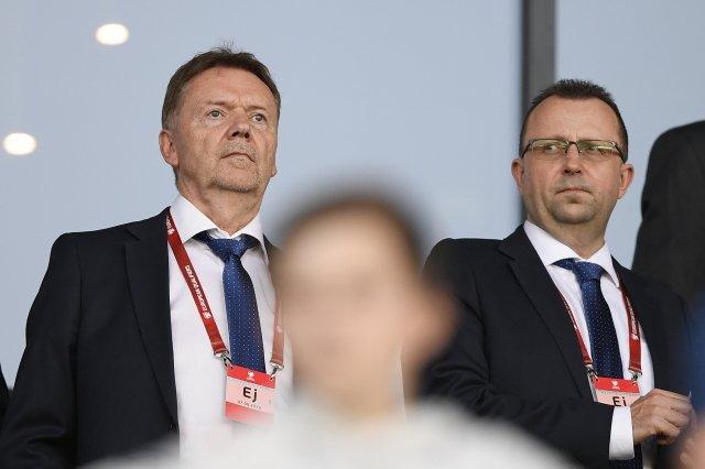 Roman Berbr (vlevo) aMartin Malík na utkání české fotbalové reprezentace. Foto:ČTK