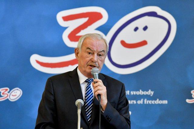 Bývalý předseda horní komory Parlamentu ČR Přemysl Sobotka (ODS) nyní působí jako náměstek hejtmana pro zdravotnictví Libereckého kraje.