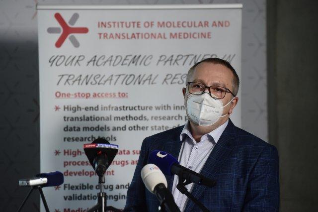 Šéf laboratorní skupiny Marián Hajdúch. Foto:ČTK
