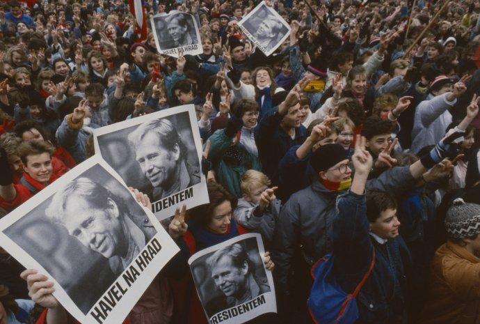 Obhájili jsme před Havlem poměrný způsob volení, ale ztížili jsme si vládnutí zkrácením mandátu na polovinu, píše Petr Pithart. Foto: ČTK