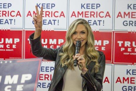 Lara Trumpová je manželkou Erica Trumpa, prostředního syna Donalda Trumpa. Během prezidentské volební kapaně 2020 vystupovala nejen před jeho proslovy, ale také na samostatných akcích. Foto: Matt Johnson, Wikimedia Commons, CC BY 2.0