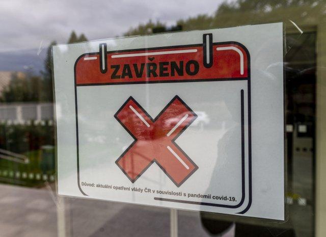 Řada podnikatelů musela kvůli opatřením své provozovny uzavřít. Foto: ČTK
