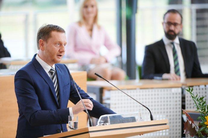 Saský premiér Kretschmer vparlamentu během oslav 30.výročí znovuzaložení Svobodného státu Sasko vDen německé jednoty. Foto:Stephan Floss, saská vláda