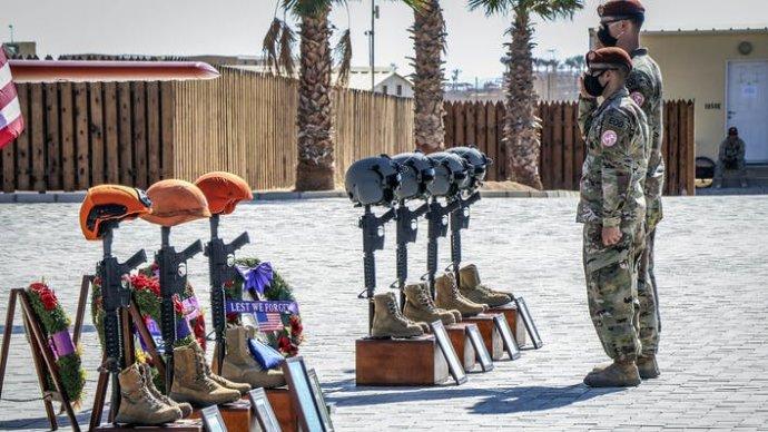 Smuteční ceremonie za zemřelé vojáky na Sinaji. Foto: Multinational Force & Observers