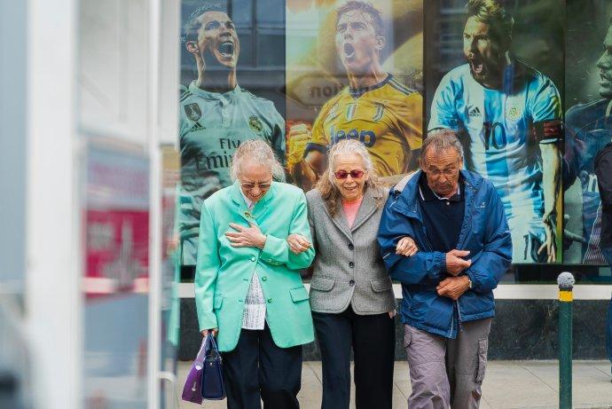 Stáří je čas, kdy je každého dne škoda. Foto: Philippe Leone on Unsplash