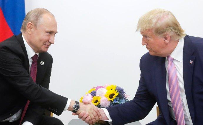 Ruský prezident Putin sázel na to, že si bude s americkým protějškem Trumpem rozumět. Nakonec jím byl ale zklamán. Foto: Krmelin.ru