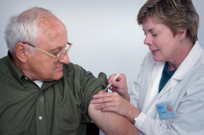 Jak ministerstvo zdravotnictví definuje rizikové skupiny, které budou mít nárok na vakcínu proti covidu? Ilustrační foto: Unsplash