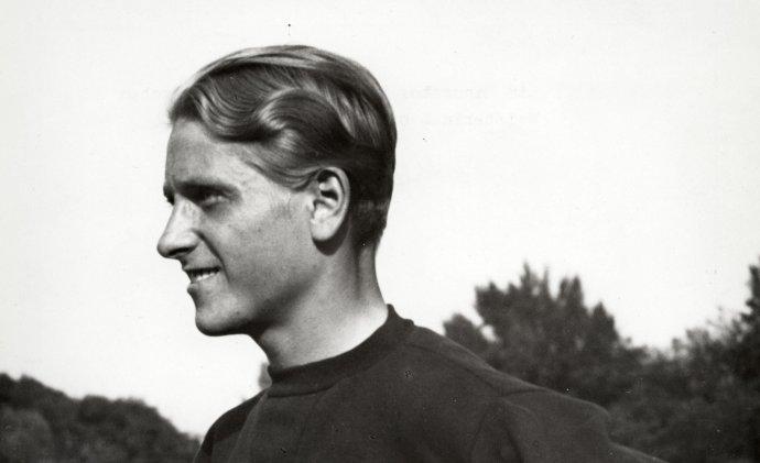 Zdena Koubková, později Zdeněk Koubek v roce 1936. Foto: Wikimedia Commons