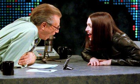 Dvě ikony ujednoho mikrofonu. Larry King vrozhovoru sMadonnou vlednu 1999. Foto:Reuters