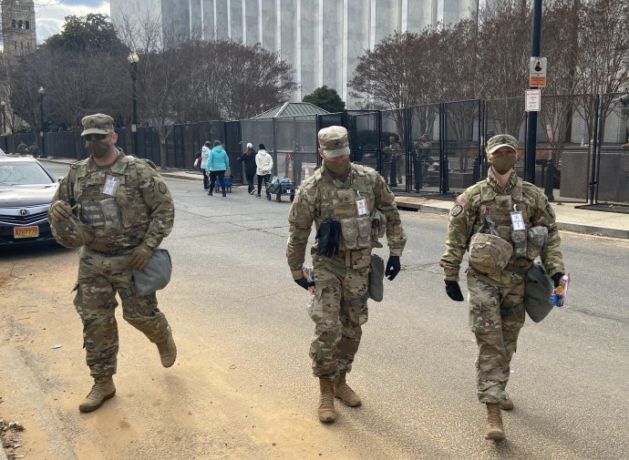 Členů Národní gardy bylo kvůli inauguraci ve Washingtonu až 25tisíc. Foto:Jana Ciglerová, DeníkN