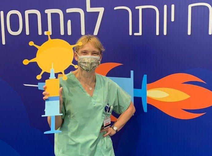 Brněnská rodačka Martina Paletová působí jako zdravotní sestra vtelavivské nemocnici. Teď se zapojila do očkování proti covidu. Foto:archiv Martiny Paletové