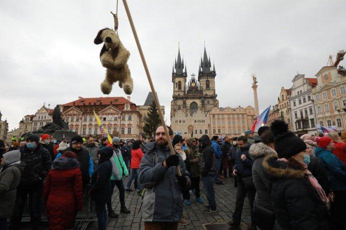 Demonstrace na Staroměstském náměstí vPraze. Foto:Ludvík Hradilek, DeníkN