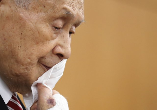 Předseda organizačního výboru olympijských her Tokio 2020 ajaponský expremiér Joširo Mori 4.února 2021. Foto:Kim Kjonghun, Pool/AP