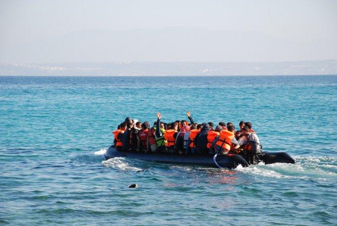 Migranti směřující kevropským břehům. Foto:Petra Procházková, DeníkN
