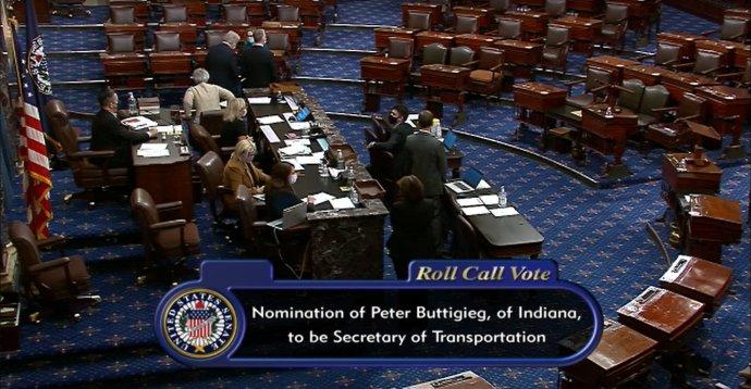 Americký Senát, jednání pléna o nominaci Petea Bittigiege na post ministra dopravy. Foto: US Senate