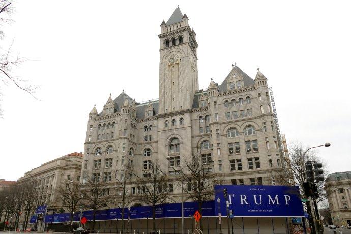Hotel Trump International ve Washingtonu byl na prodej už před začátkem pandemie. Budova bývalé pošty kvůli covidu ale ještě více ztratila anabídky jsou nyní io150milionů nižší, než Trump požaduje. Foto:Maxence, Flickr, CC BY 2.0