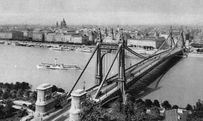 Kniha Johna Lukacse může českému čtenáři nabídnout pohled na střední Evropu z perspektivy, kterou možná úplně neznal, pokud nešlo o hungaristu. Foto: Flickr