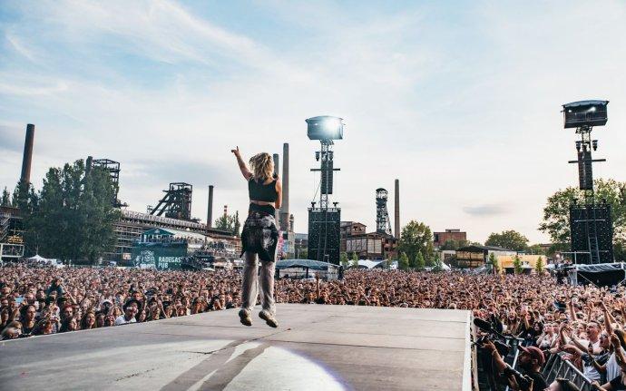 Ani letos se brány festivalu Colours of Ostrava neotevřou. Naposledy Dolní Vítkovice hostily mezinárodní mejdan vroce 2019. Foto:Colours of Ostrava