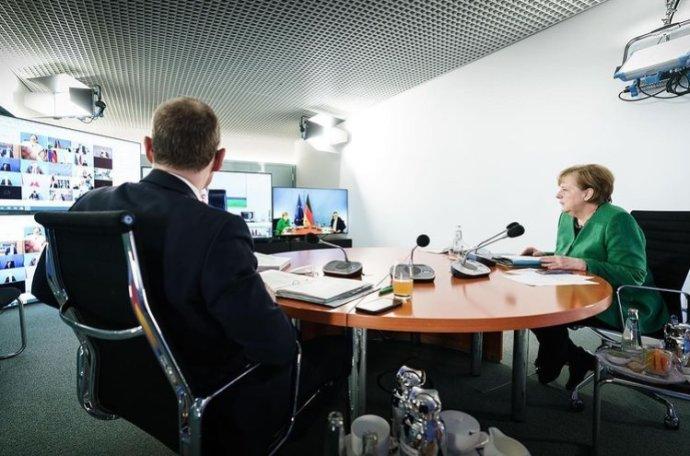 Jednání spolkové kancléřky Merkelové apremiérů 16německých zemí. Foto:kancléřčin úřad, instagram.com/bundeskanzlerin