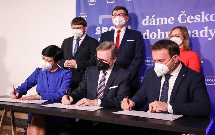 Podpis koaliční smlouvy koalice Spolu. Foto:Gabriel Kuchta, DeníkN