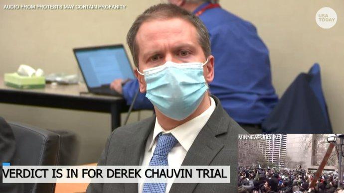 Policista Derek Chauvin voakmžiku, kdy mu soudce Petere Cahill sděloval verdikt poroty: vinen ve všech třech bodech obžaloby. Foto:USA TODAY NETWORK, Reuters