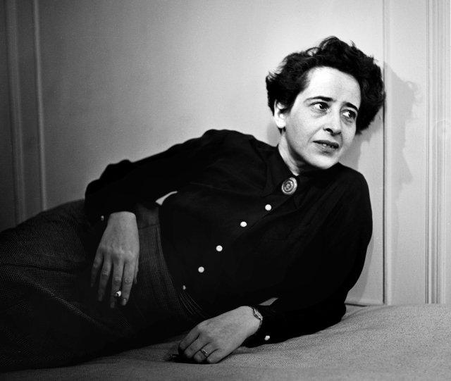 Hannah Arendtová ve svých textech ukazuje, že vpřípadě totalitních společností lze izelživých premis vybudovat svět, který dá lžím nakonec za pravdu. Foto:ČTK / Fred Stein