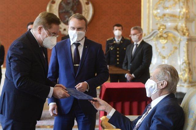 Prezident Miloš Zeman jmenoval 7. dubna 2021 na Pražském hradě nového ministra zdravotnictví Petra Arenbergera. Foto: ČTK
