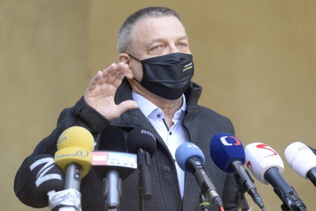 Nikam nespěchám, mám práci tady, řekl na tiskové konferenci ministr kultury Lubomír Zaorálek. Foto: ČTK