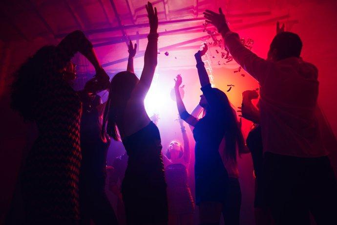 Party vnočním klubu. Ilustrační foto:Venus100elite, Pxhere