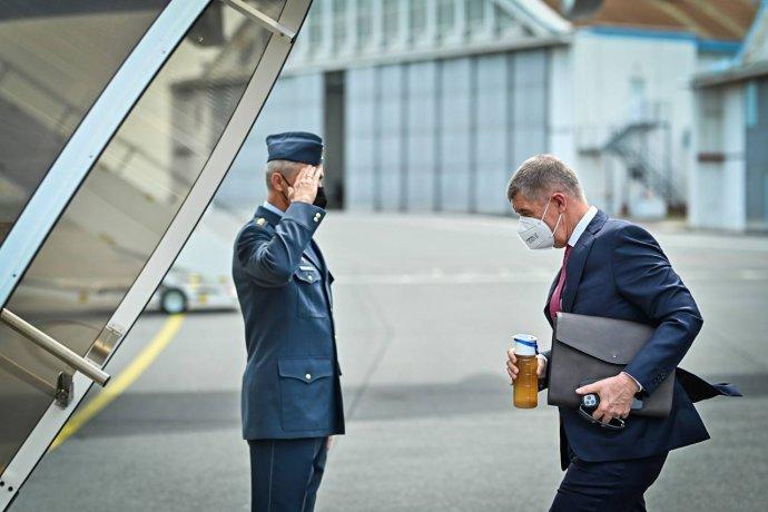 Premiér Andrej Babiš odlétá na summit do Bruselu. Foto: Zdroj Twitter Andreje Babiše