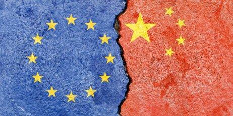 """""""Vztahy EU aČíny nemohou pokračovat jako za běžných okolností,"""" cituje dnes odhlasovanou rezoluci agentura Reuters. Foto: Adobe Stock"""