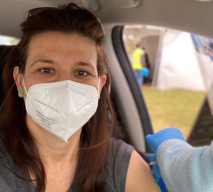 Svou první dávku vakcíny jsem dostala na Floridě, zauta avparku a dlouho před tím, než jsem na ni měla nárok v Česku. Foto:Jana Ciglerová, DeníkN
