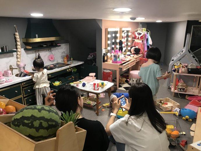 Jedna zmnoha soulských dětských kaváren– jde o ráj pro děti imaminky. Foto:Markéta Bálková, DeníkN