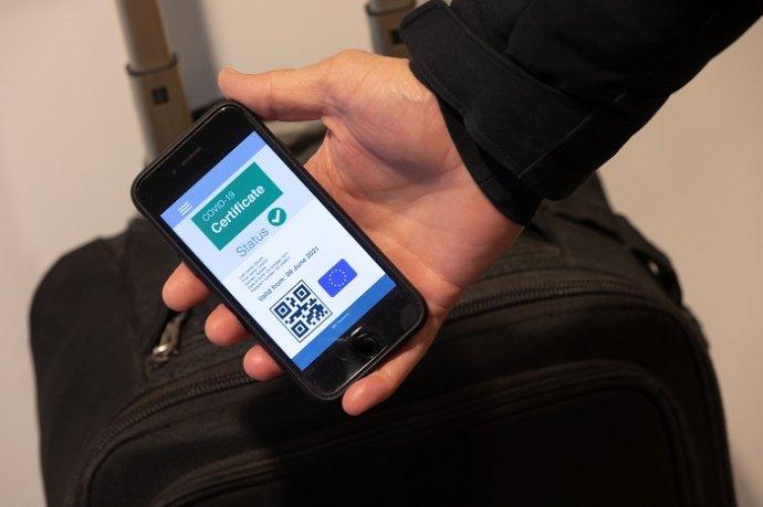 Jak by mohl digitální evropský certifikát vypadat. Foto:Evropský parlament