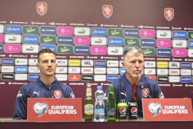 Jaroslav Šilhavý prozradil, že kapitánem na mistrovství Evropy bude Vladimír Darida. Foto: Miroslav Chaloupka, ČTK
