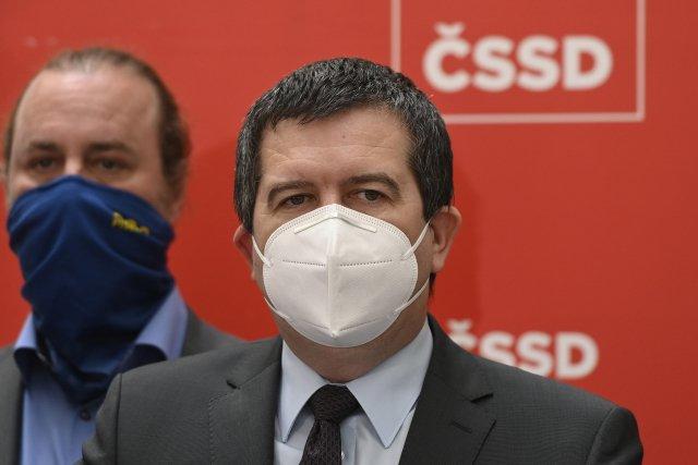 Předseda ČSSD Jan Hamáček na brífinku oznamuje kroky proti serveru Seznam Zprávy. Foto:ČTK