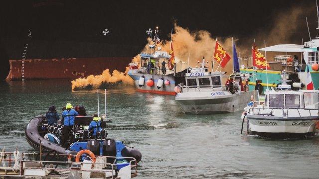 Brexitový rybářský spor: Proč si Francie aBritánie vyhrožují vojenskými loděmi aodpojením elektřiny
