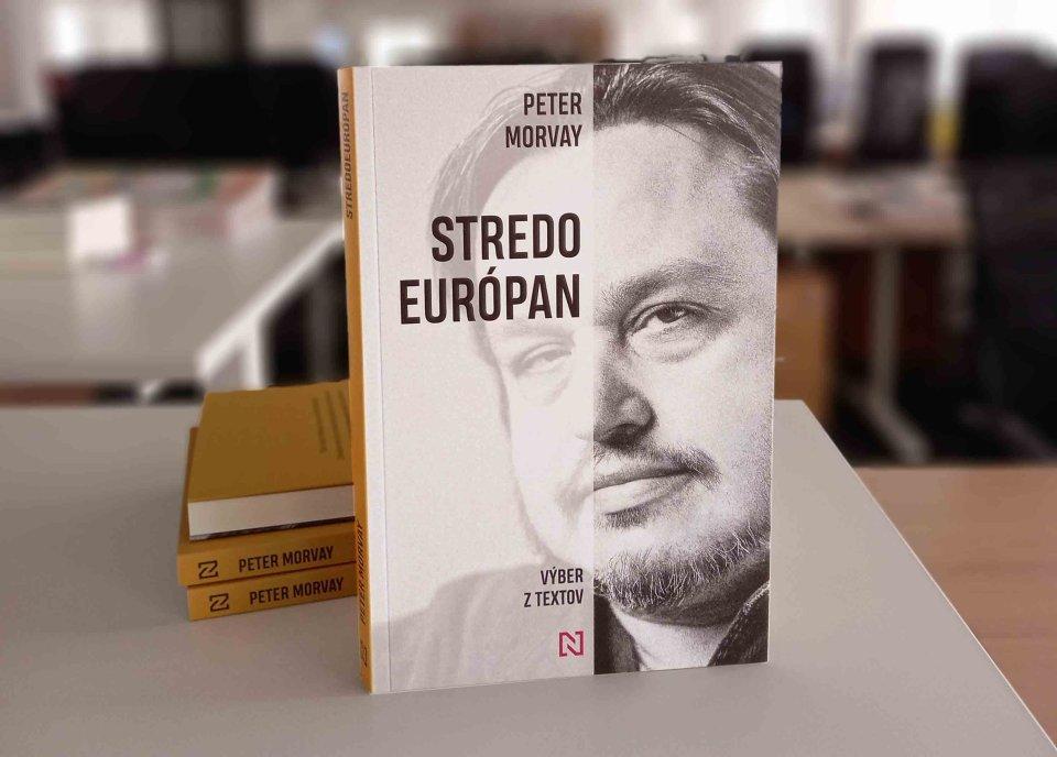 Knihu Stredoeurópan si můžete objednat ivnašem e-shopu. Foto:DeníkN
