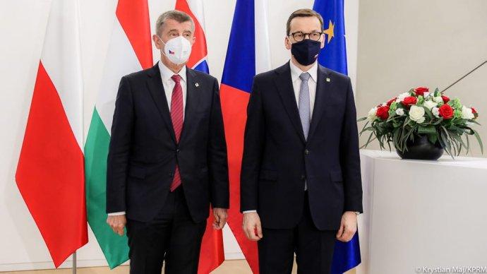 Andrej Babiš a Mateusz Morawiecki na jednání V4 v Bruselu. Zdroj: Twitter kanceláře polského premiéra