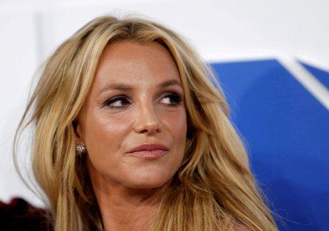 Britney Spears byla zbavena svéprávnosti před třinácti lety. Od té doby musela platit právníkům za to, že ji vporučnictví udrží, ačkoliv ho sama nechce. Foto:Eduardo Munoz, Reuters