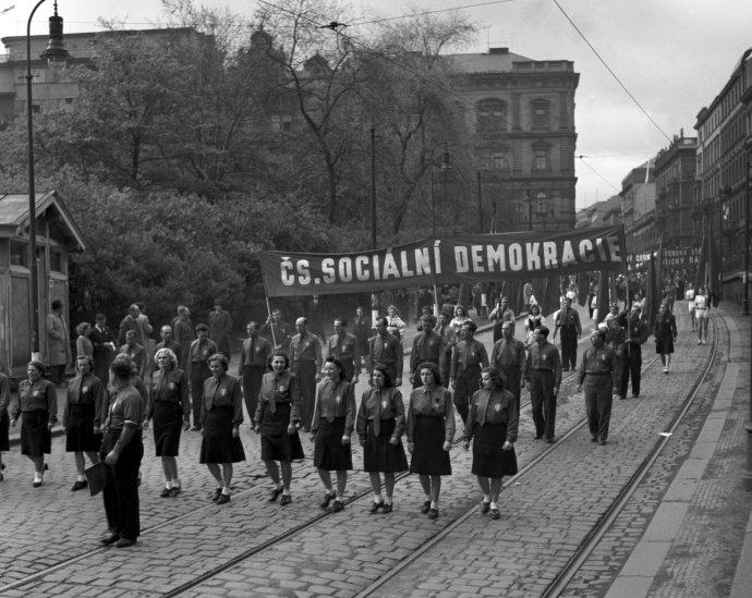 Doby, kdy evropské sociálnědemokratické strany přiváděly do ulic každou chvíli zástupy pracujících, jsou již nenávratně pryč. Teď by se měly zaměřit na úplně jinou agendu. Ilustrační foto: ČTK