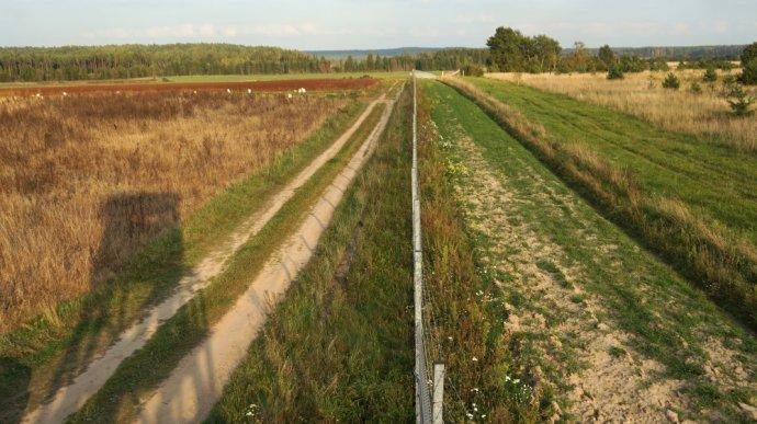 Místo přímo na litevsko-běloruské hranici vroce 2013. Foto:Hervé Dez, Wikimedia Commons, CC BY-SA 3.0