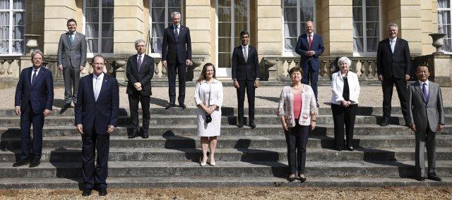 Ministři financí G7také vyzývají kpovinnému zveřejňování finančních informací týkajících se klimatu. Foto:ČTK, Henry Nicholls / Pool Photo via AP