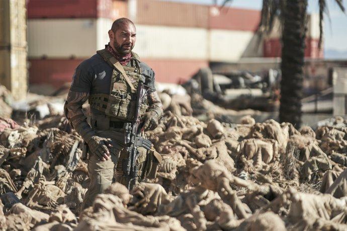 Dave Bautista jako Scott Ward. A vysušení nemrtví. Foto: Netflix