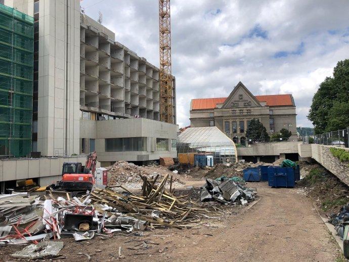 Demolice hotelu InteContinental vcentru Prahy. Foto:Tomas Bajusz, sdružení Občané Prahy1